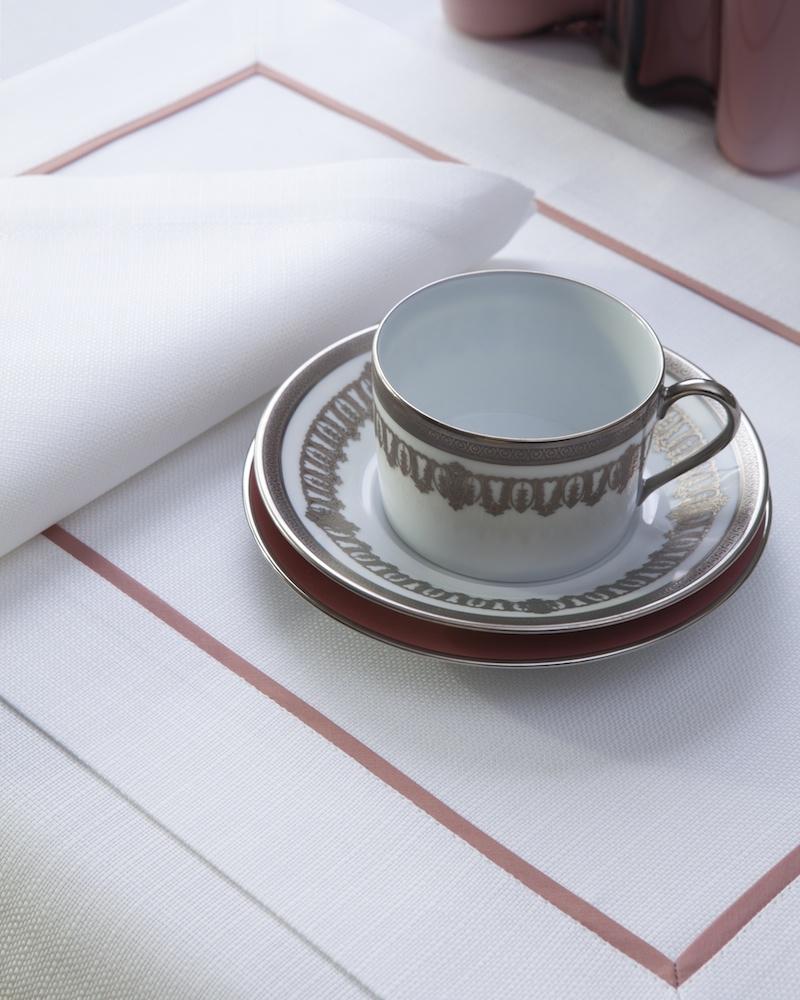 Подстановочная салфетка из ткани Salerno - цвет Bianco, кантик Melba, состав хлопок 100%