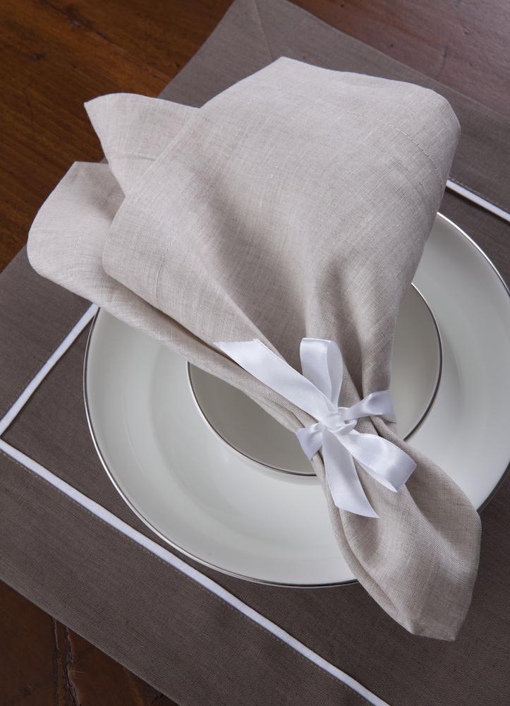 Подстановочная салфетка Provenza Riccio, кантик Bianco, состав лен 100% - fioridivenezia.ru