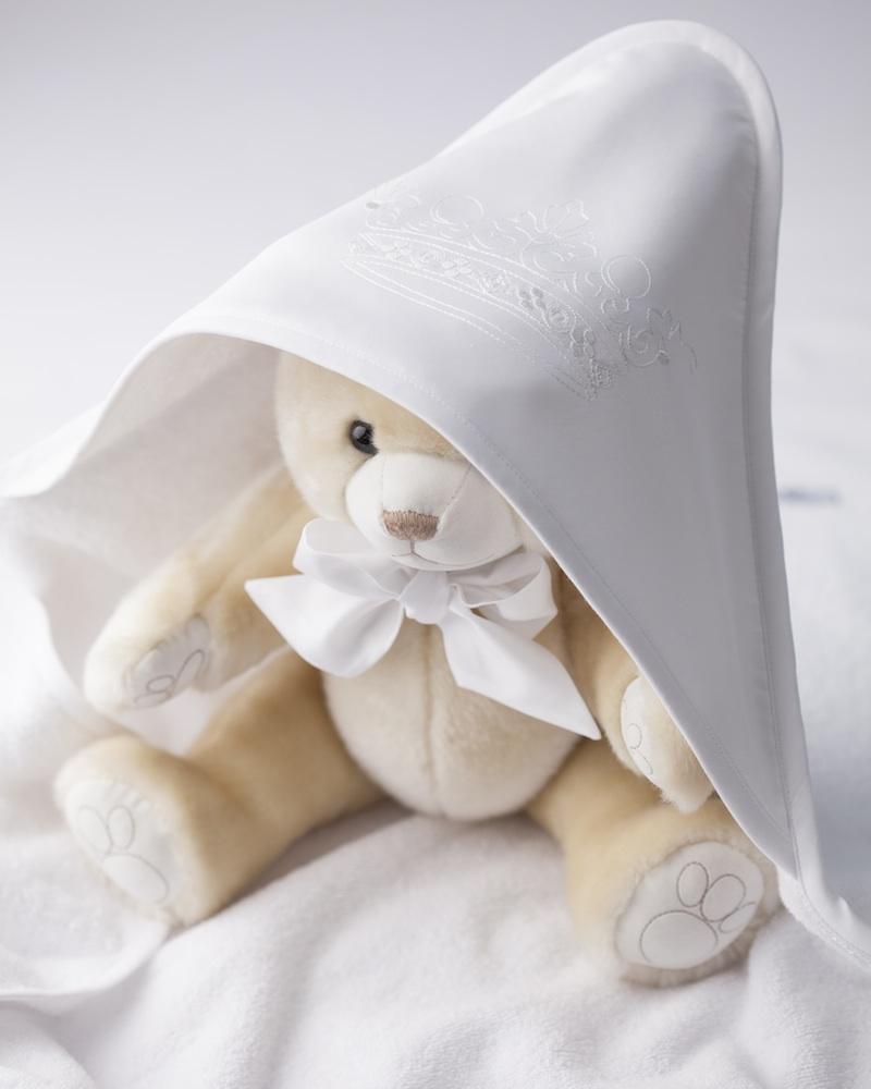 Банный махровый уголок с вышивкой на капюшоне и полотенце Corona Bianco - fioridivenezia.ru