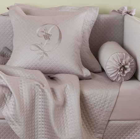 Подушка с вышивкой Solo Lilla