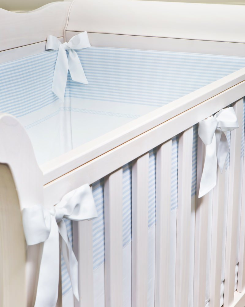 Бортик в кроватку стеганый Knots Print Light Blu - fioridivenezia.ru