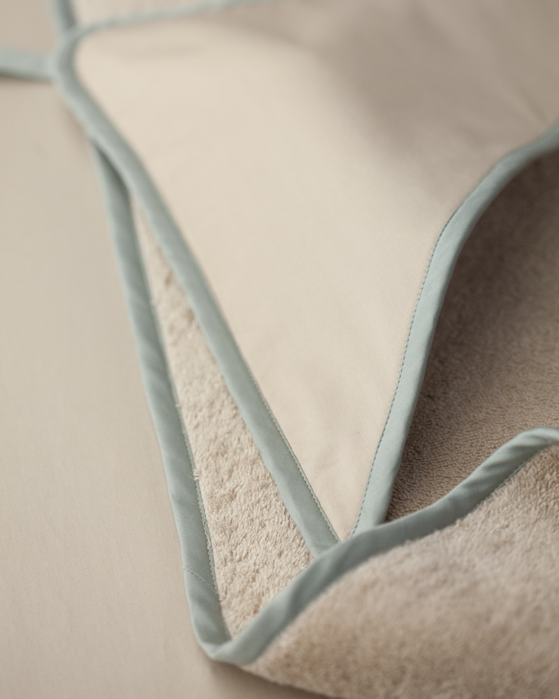 Банный уголок с капюшоном и полотенце Bon Ton Powder - fioridivenezia.ru