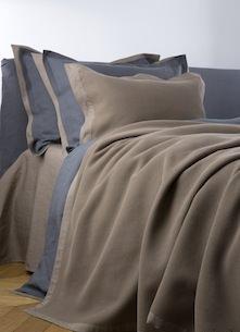 Покрывало и подушки Mare Riccio