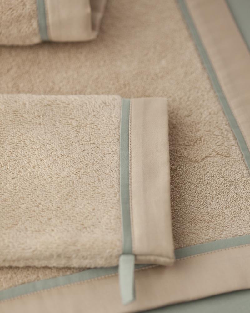 Полотенце и перчатка из махры Bon Ton Powder - fioridivenezia.ru