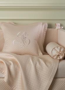 Декоративная подушка с вышивкой и валик Solo Rosa