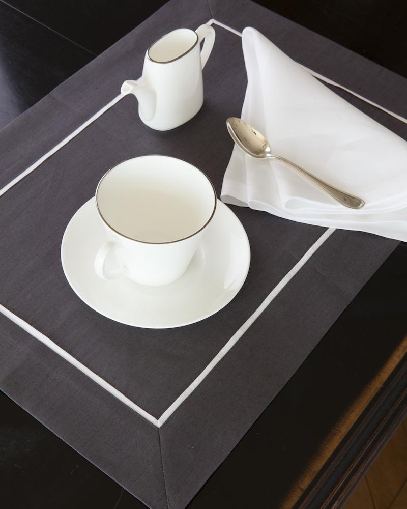 Подстановочная салфетка Provenza Grisaglia, кантик Bianco, состав лен 100% - fioridivenezia.ru