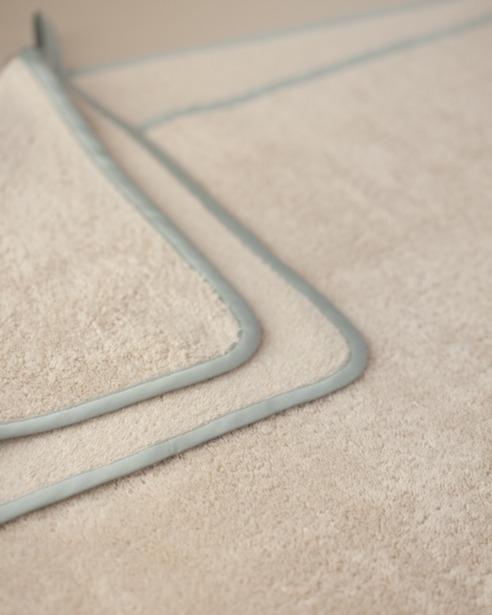 Банный уголок с капюшоном и полотенце Bon Ton Powder- fioridivenezia.ru