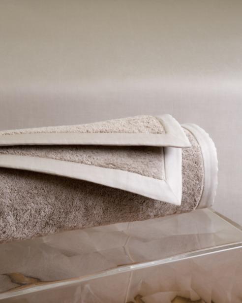 Коврик махровый в ванную Tapp Sand - fioridivenezia.ru