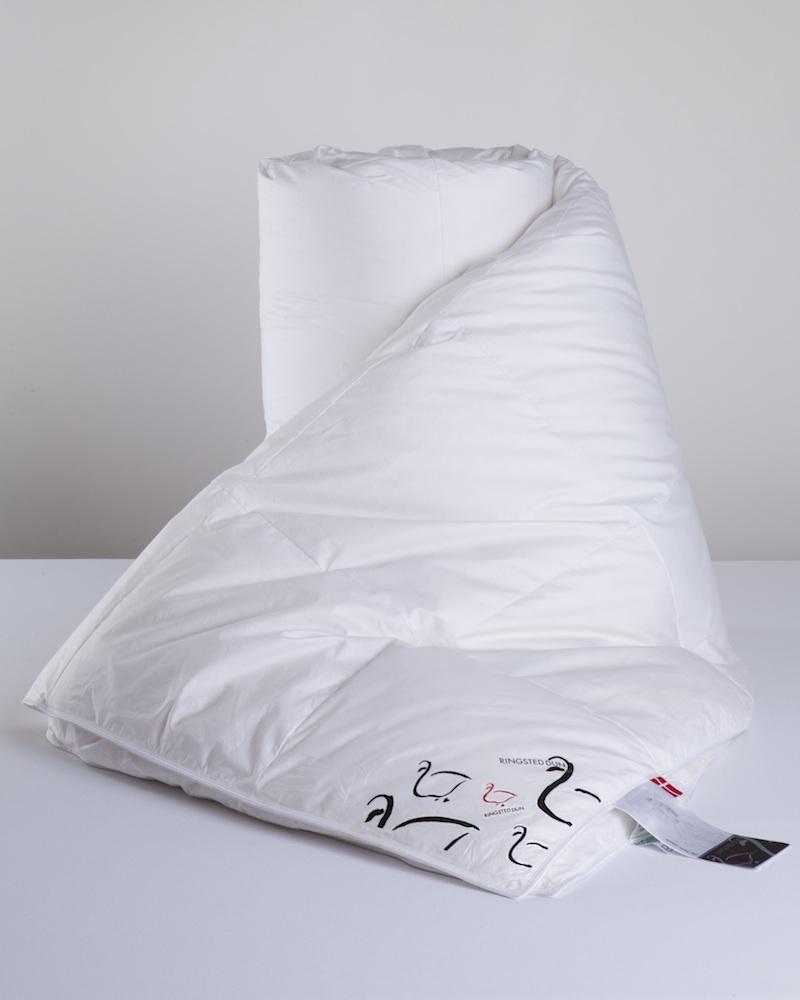 Пуховые детские одеяла и подушки - fioridivenezia.ru